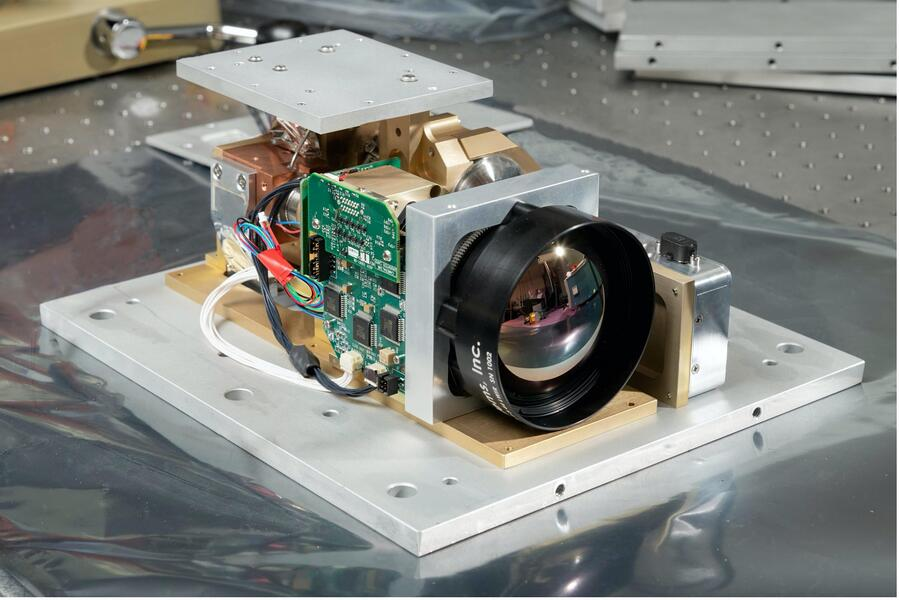hotbird3 - HyTI instrument on the instrument with PGL thermal straps